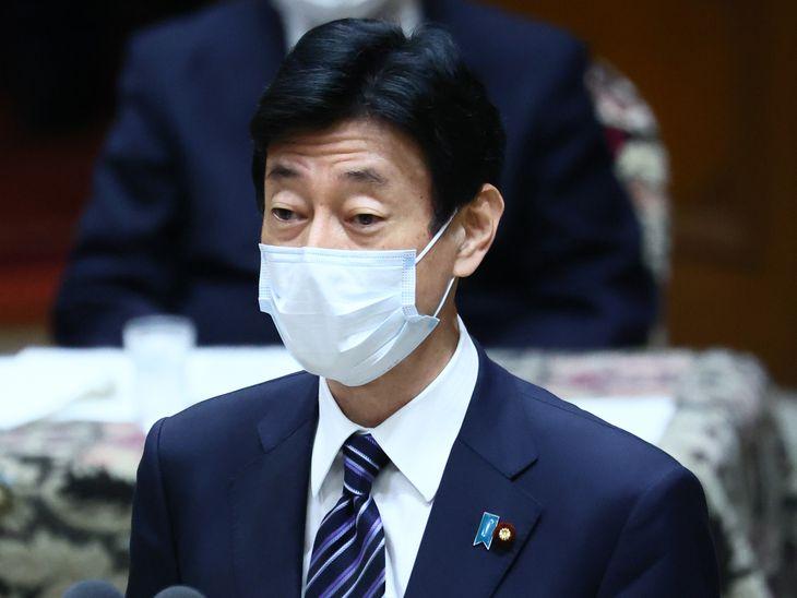 西村康稔経済再生担当相(春名中撮影)