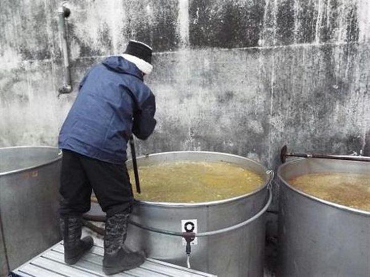 伊豆・青ケ島幻の焼酎を販売 アルコール度数60度「初垂れ」、特区認定で30年度から