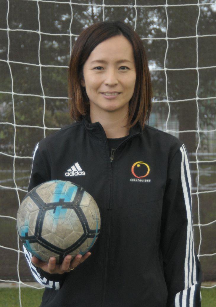 「女子にとってサッカーが身近なスポーツになってほしい」と語る中田麻衣子さん=仙台市(石崎慶一撮影)