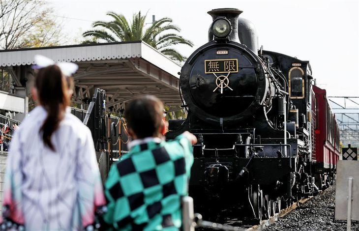 【動画】「鬼滅の刃」とコラボ 無限列車運行始まる 京都鉄道博物館