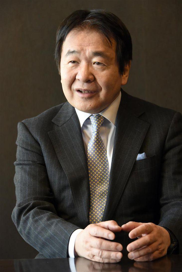 インタビューに答える竹中平蔵元経済財政担当相=東京・丸の内(酒巻俊介撮影)