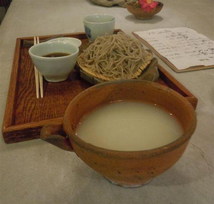 【関西の議論】「そば湯」大阪では半数が知らない!…「彼女が飲んだらひく」「入浴剤?」そばがき経験者は2人だけ ネット投稿受け緊急調査