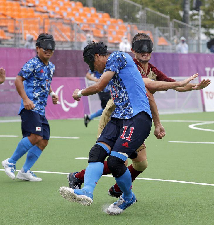 日本―スペイン 前半、先制ゴールを決める黒田(11)=青海アーバンスポーツパーク