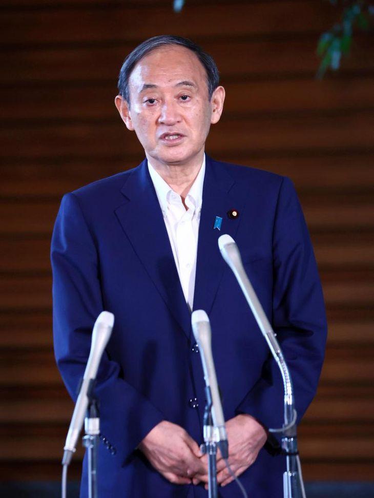 総裁選不出馬を表明した菅首相=3日午後、官邸