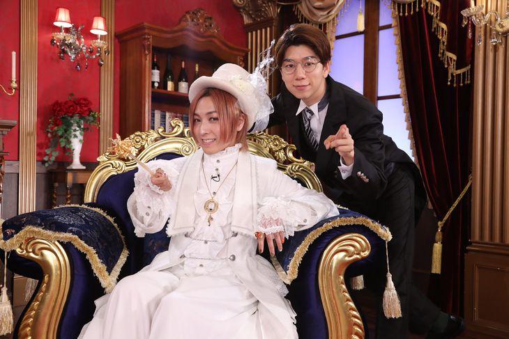 シーズン3を喜ぶ蒼井翔太(左)と西山宏太朗(C)フジテレビ