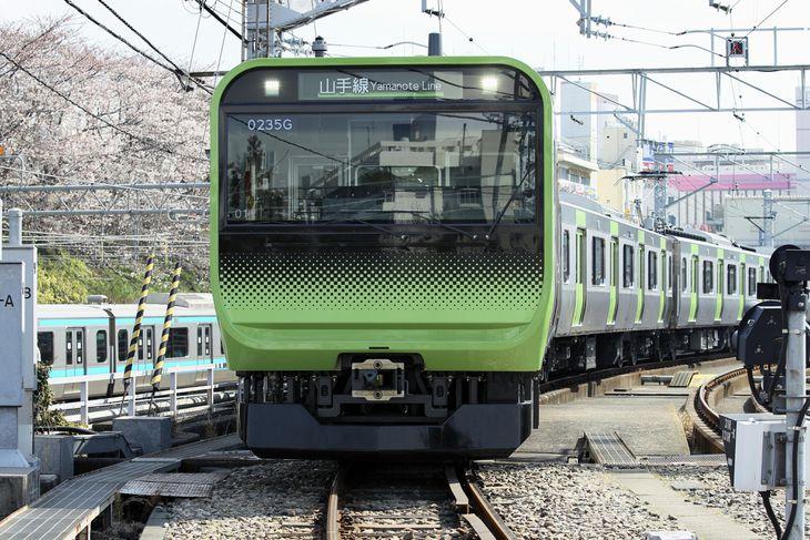 省エネ運転のための走行中のデータ取得ができる車両、山手線「E235系」(JR東日本提供)