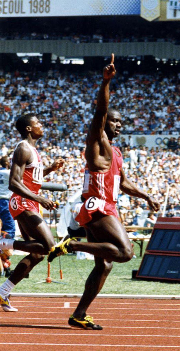 ソウル五輪の100メートル決勝に勝ったベン・ジョンソン(カナダ)は、ドーピング検査で失格となった