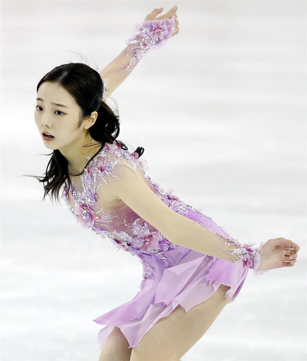 トラブルをはねのけ、女子で総合7位だった本田真凜のフリーの演技=DyDoアリーナ(代表撮影)