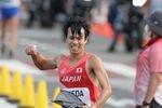 男子20キロ競歩で2位となり、銀メダルを獲得した池田向希=5日、札幌市大通公園発着(村本聡撮影)