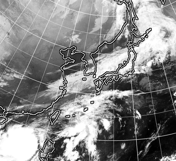 22日午前9時現在のひまわり雲画像