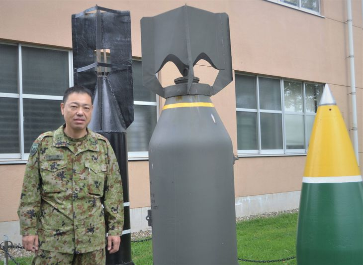 後進に「知識や技術を伝えていきたい」と話す中森勇2等陸尉