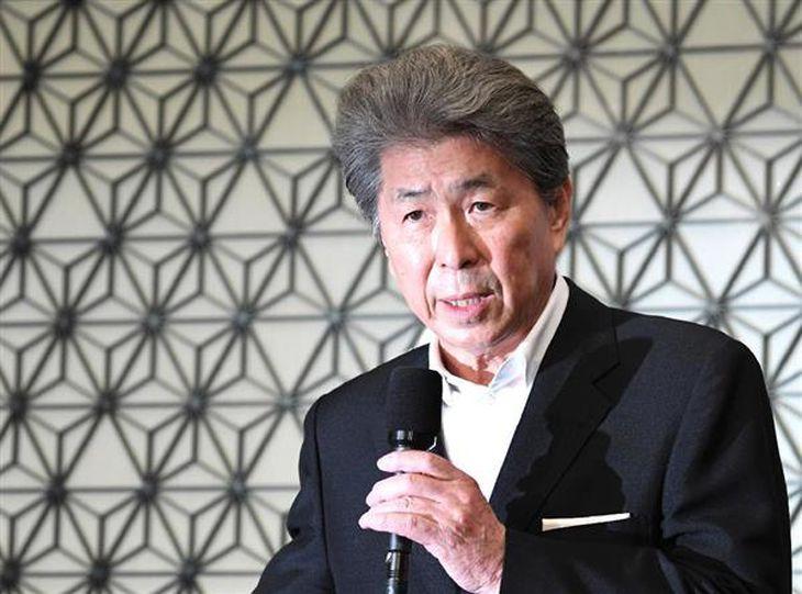 東京都知事選に出馬する意向を表明した、鳥越俊太郎氏=12日午後、東京都千代田区(寺河内美奈撮影)