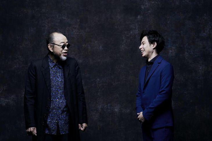 最後のアルバム「もういいかい」を出したシンガー・ソングライター、小椋佳(左)と、小椋の書き下ろし曲でアルバム「まあだだよ」を出した歌手の林部智史