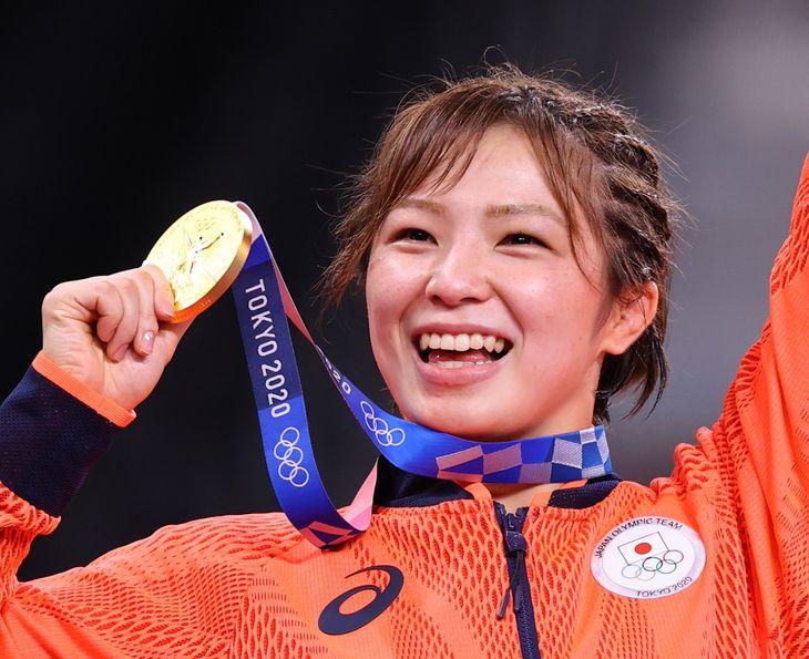 レスリング女子62キロ級で金メダルを獲得した川井友香子=4日、幕張メッセ(納冨康撮影)