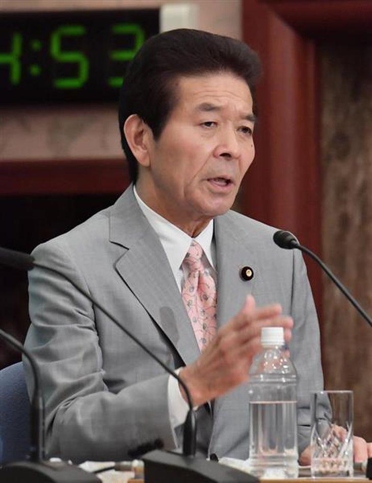党首討論会で討論する、日本のこころの中野正志代表=8日午後、東京都千代田区のプレスセンター(宮崎瑞穂撮影)
