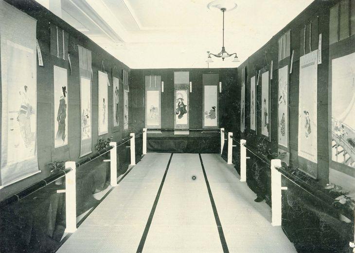 高島屋が開催した大正時代ごろの展覧会の風景(高島屋提供)