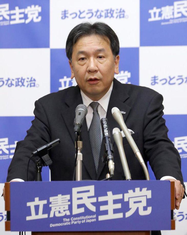 会見で記者団の質問に答える立憲民主党・枝野幸男代表=3月5日午後、国会内(春名中撮影)
