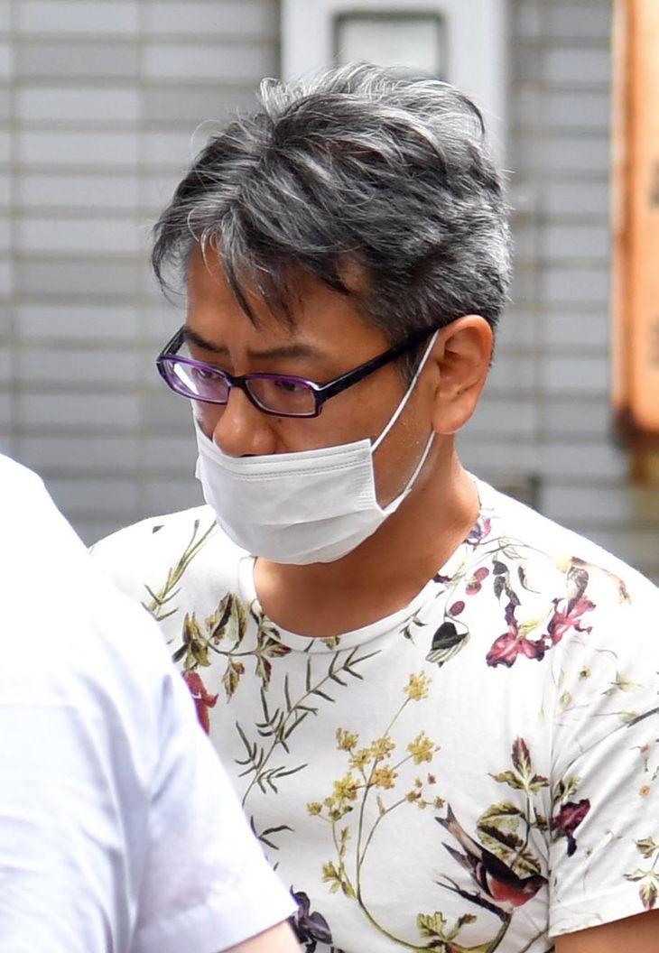 警視庁築地署に入る加藤雄三容疑者=9月、東京都中央区(鴨川一也撮影)